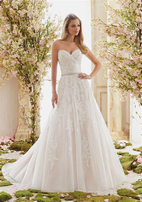 wedding dresses bridal tulle on beaded lace appliques wedding dress style 6834