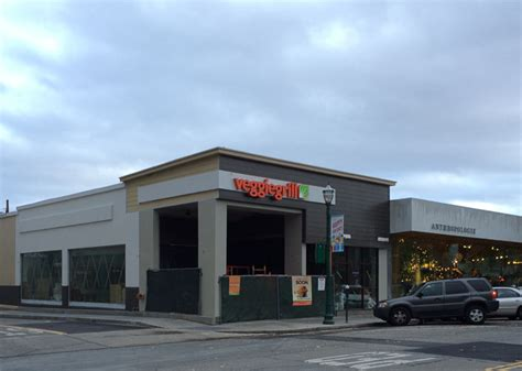 veggie grill signage up in walnut creek beyond the creek
