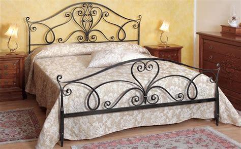 letto ferro battuto pin letti in ferro battuto ciacci foto tutto gratis on