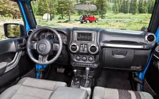 Dashboard Jeep Wrangler 2012 Jeep Wrangler Dash View 167458 Photo 6 Trucktrend