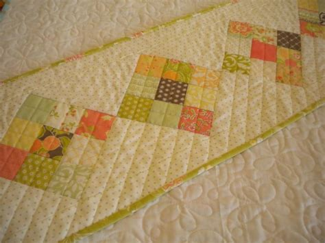 Simple Quilted Table Runner Patterns by Top 10 Quilted Table Runner Patterns For