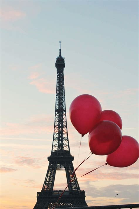 Eiffel tower red balloons rebecca plotnick photography
