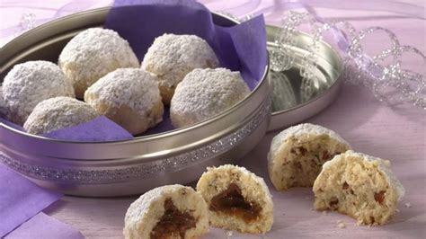 Mexican Wedding Cakes (Cookie Exchange Quantity) recipe