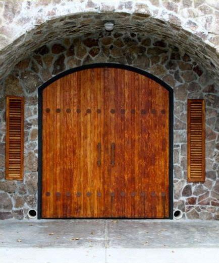 Napa Style Barn Door Maldonado Winery Calistoga Wine Enthusiast Tours Cas The O Jays And Caves