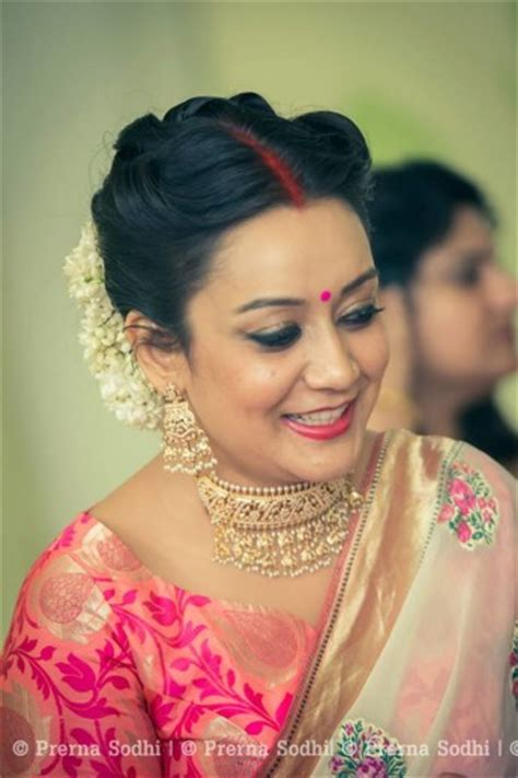 hairstyles for indian brides mother simple iyer wedding in delhi with a bit of sass wedmegood