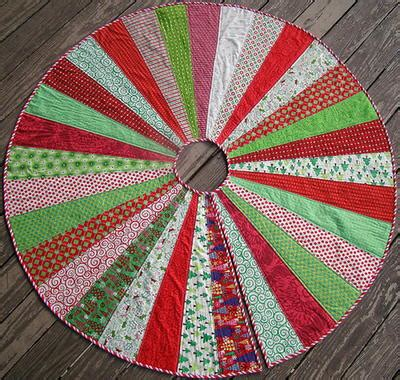 how big should a tree skirt be tree skirt quilt pattern favequilts