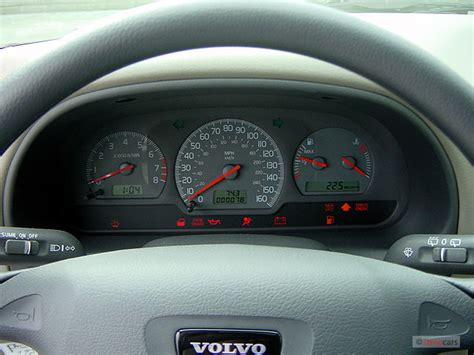 transmission control 2004 volvo v40 instrument cluster image 2003 volvo v40 5dr wagon 1 9l instrument cluster size 640 x 480 type gif posted on