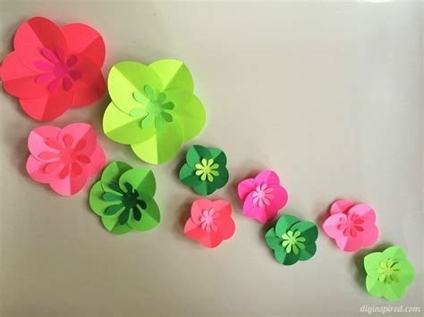 How To Flowers In Paper - easy diy paper flowers tutorial diy inspired
