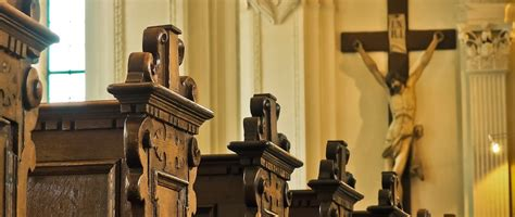 catholic funeral traditions what is a catholic funeral traditions etiquette