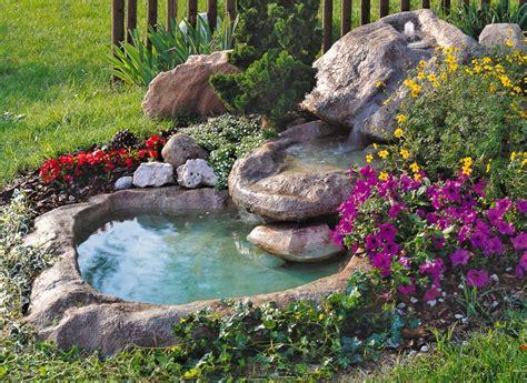 piccolo laghetto in giardino una piccola oasi in giardino 20 idee stupende tutorial
