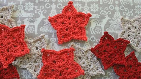 pattern for a christmas star christmas in july 9 free fun christmas decor crochet