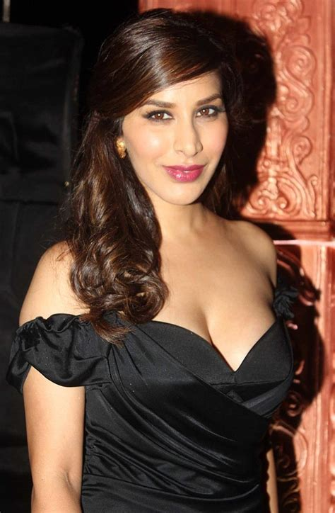 5 Meters To Feet sophie choudry bra size age weight height measurements