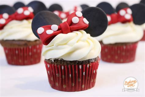 como decorar cupcakes de mickey mouse cupcakes de minnie mouse baking day youtube