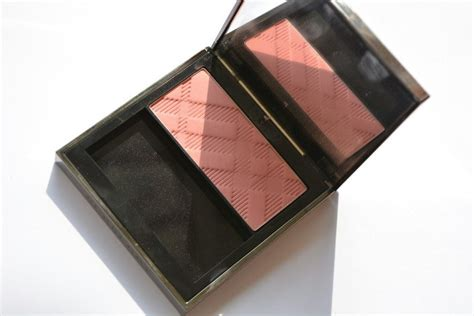 burberry light glow in dark earthy no 11 burberry light glow cameo blush no 02 review
