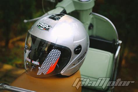Helm Sepeda Paling Mahal Review Rsv Helmet Color Helm Stylish Yang Tawarkan