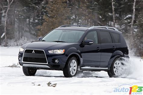 2010 Mitsubishi Outlander by Auto123 New Cars Used Cars Auto Shows Car Reviews