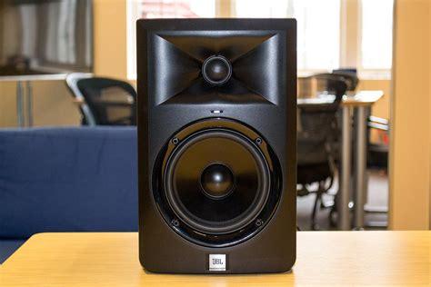 Speaker Jbl Lsr305 jbl s new lsr305 reference monitors pull a really clever trick digital trends