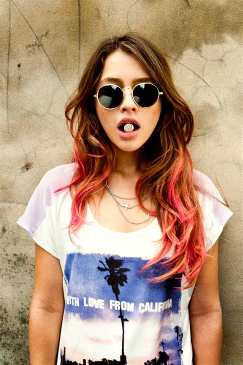 hipster girl hipster girl pictures to pin on pinterest pinsdaddy