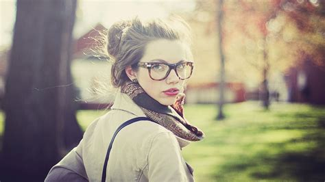 blue light cancelling glasses 5 tips of makeup for with glasses