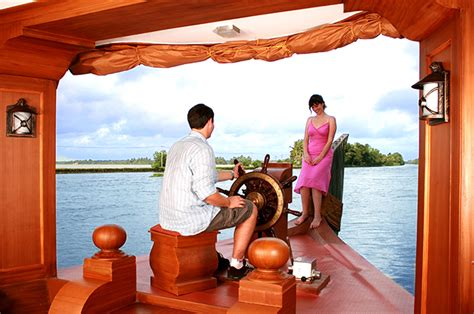 alleppy boat house alappuzha boathouse packages standard boat house deluxe boat house premium boat