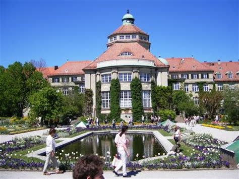 visit the botanical garden in munich