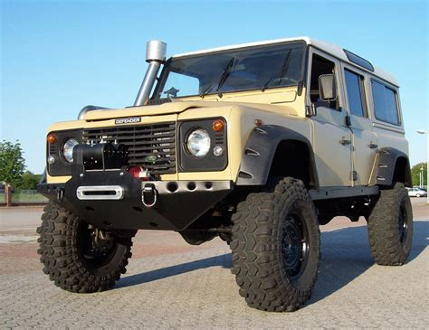 range rover lifted landrover defender off road ג יפים pinterest