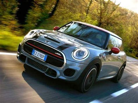 mini cooper al volante al volante della mini cooper works gazzetta it