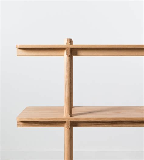 wedge shelf leibal