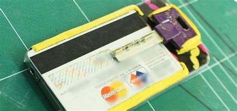 How To Change A Gift Card Into Cash - how to turn your phone into a wallet for cards keys using sugru 171 smartphones