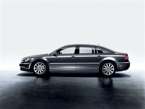 volkswagen phaeton volkswagen phaeton debuts with new design and new technologies