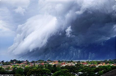 A Gorgeous Image For Weekend Gloom by Harbinger Of Gloom Thunderheads Roll Across