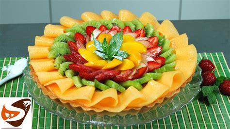 decorare torta con kiwi crostata di frutta con guscio friabile di pasta frolla e