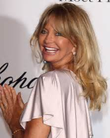 what hair color isright for a 60 year goldie hawn s body is out of this world photos huffpost