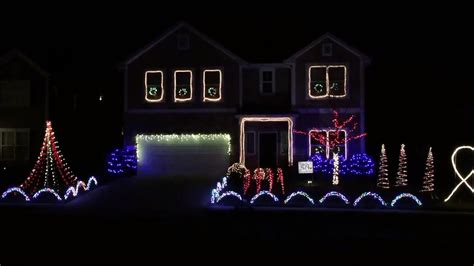 holiday light show plays music from harry potter star