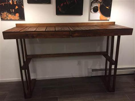 pallet raised table desk pallet furniture diy