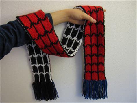 crochet pattern for spiderman scarf ravelry spider man vs venom scarf pattern by jillyn