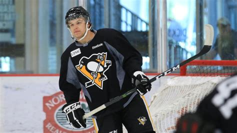 Entry Level Mba Pittsburgh by Pens Sign Forward Jordy Bellerive To A Three Year Entry