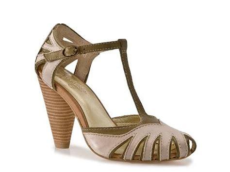 gold sandals dsw seychelles pot of gold dsw