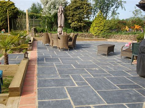 Paver Patio Edging Options Paving A Patio Driveway Edging Ideas Driveway Paving Ideas Interior Designs Flauminc