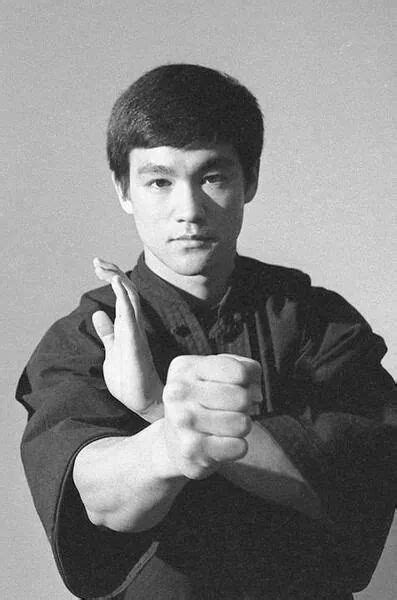 bruce lee family biography bruce lee fundamentals of jeet kune do legendary