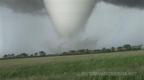 monster canadian tornado destroying  farm youtube