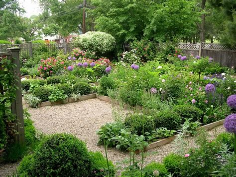 Garden Ideas On Budget Small Garden Design Ideas On A Flower Gardening Ideas