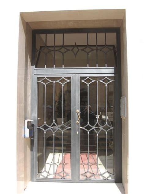 portone ingresso condominio cancelli condominiali portoni in ferro o m c m infissi roma
