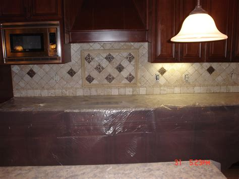 tiling backsplash in kitchen travertine tile backsplash ideas