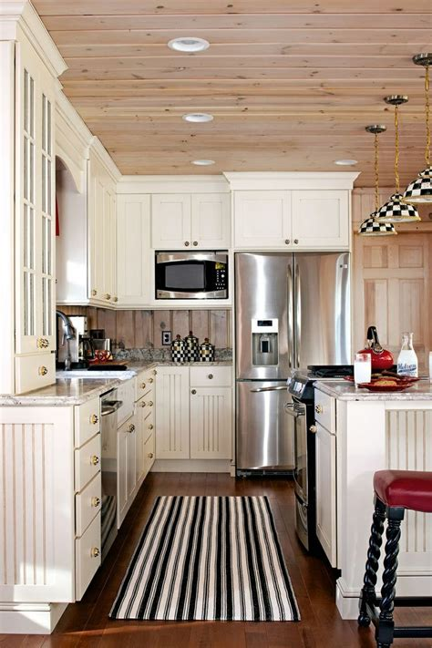 House Kitchen Cabinets by Pin By Esselman On Lake House Kitchen Ideas