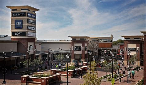 Twin Cities supporting two outlet malls just fine