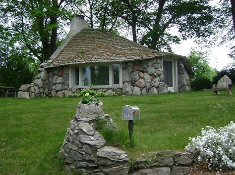 mushroom houses charlevoix mi 61 best earl young mushroom houses images on pinterest beautiful castles and detroit