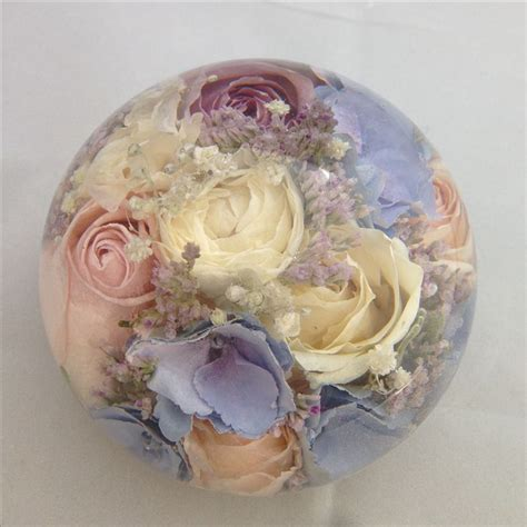 Wedding Bouquet Resin by 22 Best Wedding Flower Keepsakes Into Lovely Paperweights