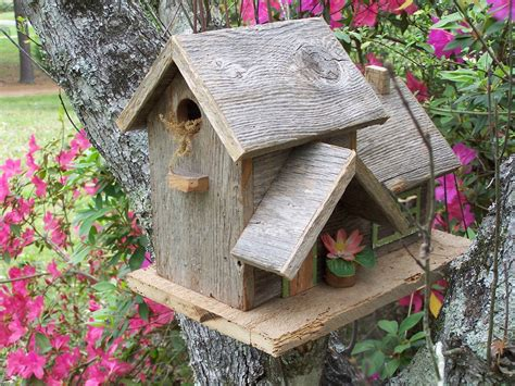 Handmade Bird Houses - 15 decorative and handmade wooden bird houses style