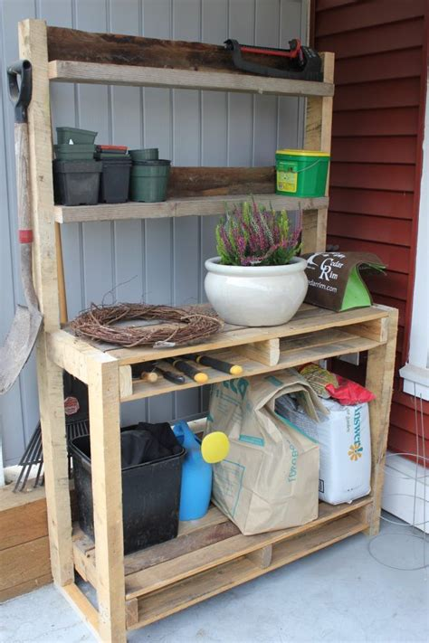 pallet potting bench love the space for tools from using the bacl pallet